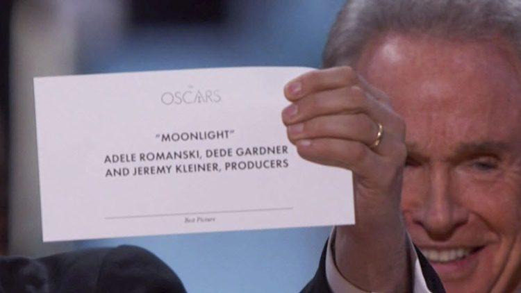 Un despiste salva la gala de los Oscars 2017